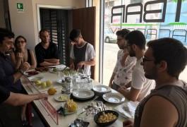 Intaglio Frutta per i Ragazzi Progetto Crescere Insieme e iBar Academu socialeAprile 2017